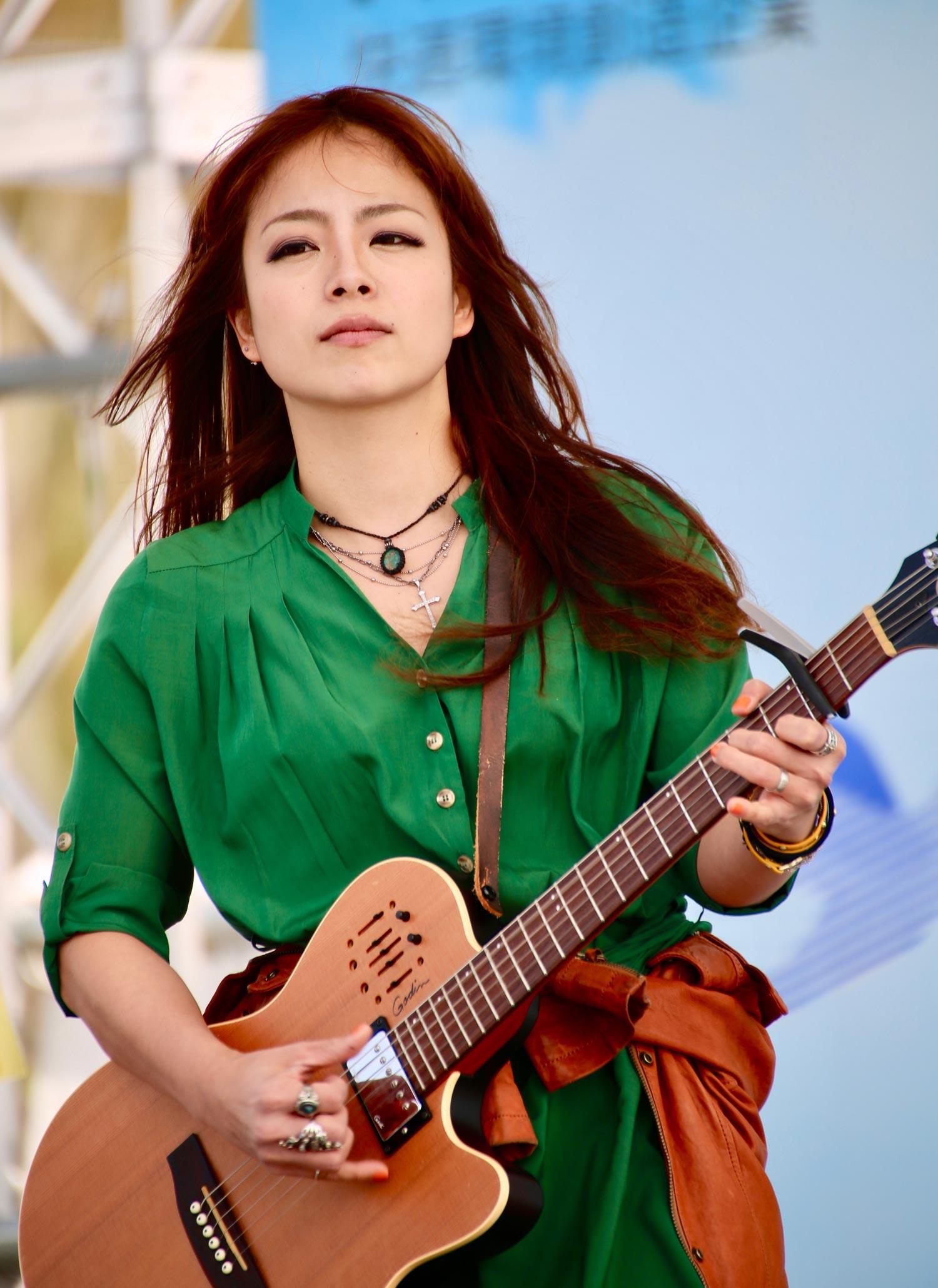 高嶋桜子 (Vo. Ag)